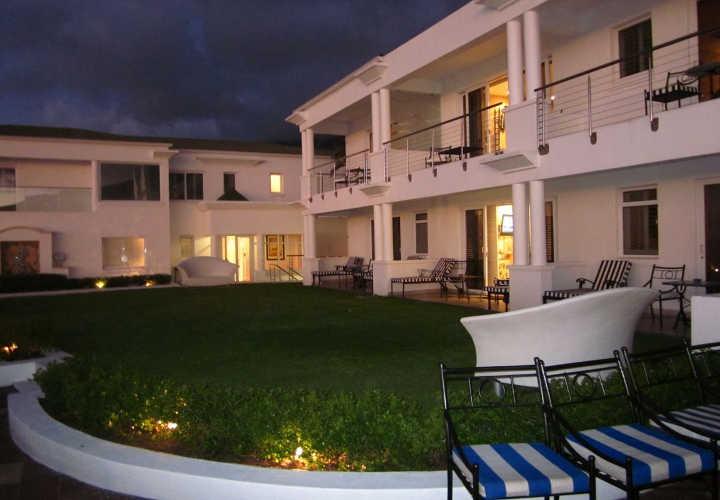 توئلو آپوستلز- بهترین هتل های جهان