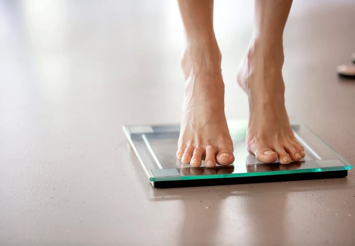 زندگی با ترس افزایش وزن از علائم بولیمیاست.