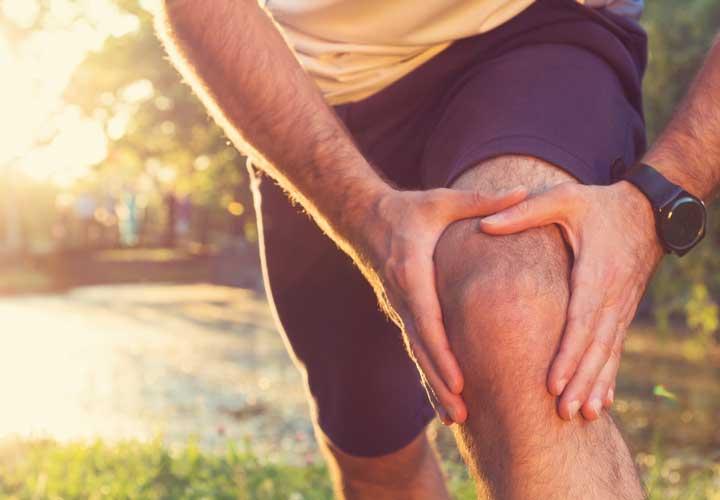 آرتروز زانو - آرتروز عارضه ای است که در طی آن پوشش طبیعی بین مفاصل (غضروف) از بین می رود.