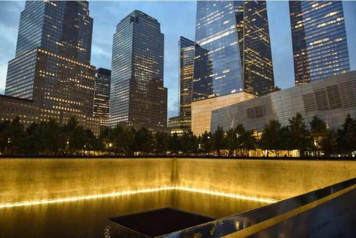 معروف ترین موزه های جهان - استخر یادبود یازده سپتامبر در مرکز شهر نیویورک