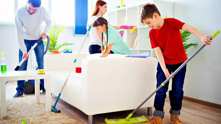 کارهای جانبی خانه تکانی. از فرزندان کمک بگیرید