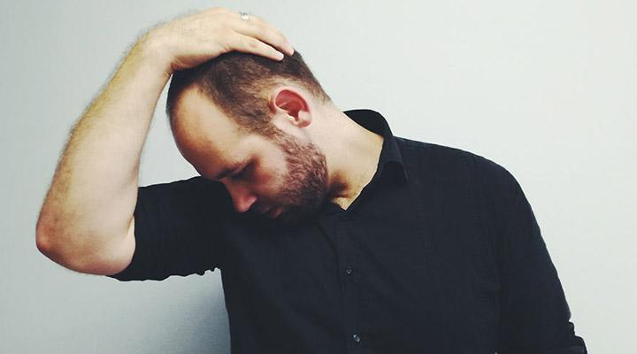 درمان سردرد با ماساژ - کشیدن ماهیچه های پشت گردن