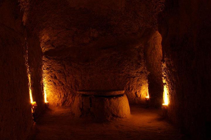 تونل های شهر زیرزمینی - جاهای دیدنی کاشان
