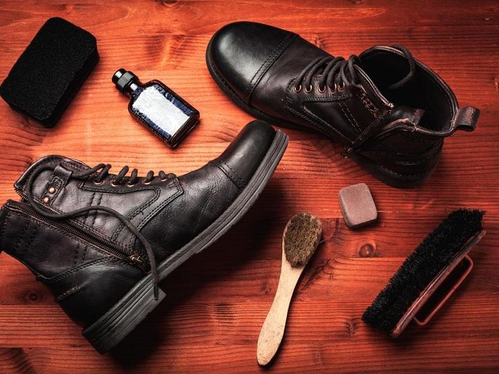 خرده کاری های خانه تکانی - مرتب کردن کفشها
