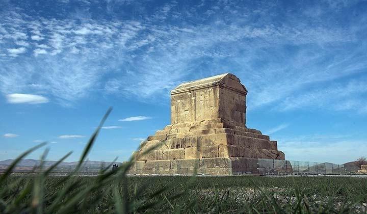 آرامگاه کوروش کبیر | شیراز