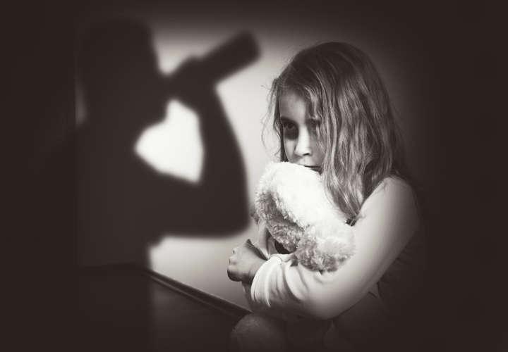 اختلال چند شخصیتی ناشی از ضربهٔ روحی دوران کودکی