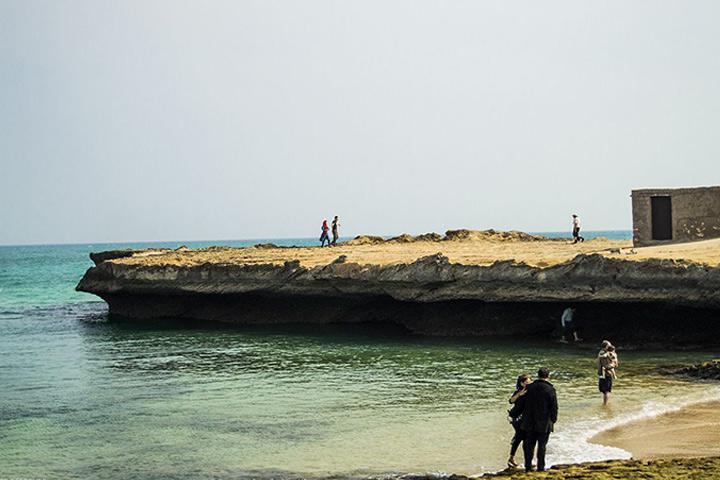 سواحل با دیواره های صخره ای - راهنمای سفر به قشم