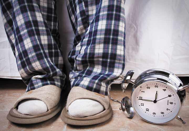 بیماری ها، باردارای، داروها و سبک زندگی از علل بروز تکرر ادرار در شب هستند.
