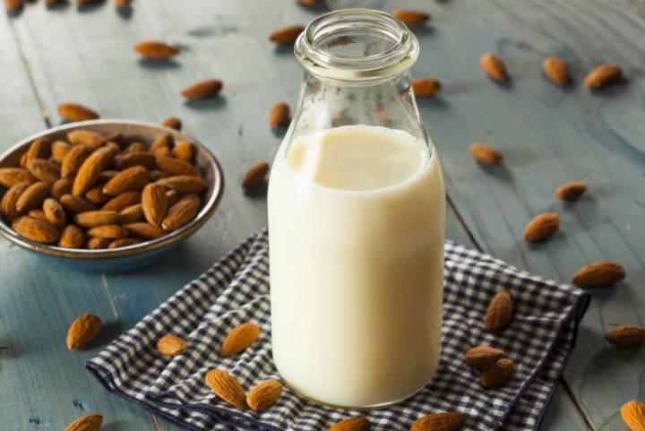 خواص شیر بادام خانگی