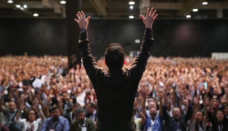 برانگیختن مخاطب در سخنرانی
