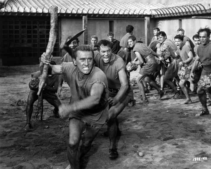 اسپارتاکوس - بهترین فیلم های جنگی