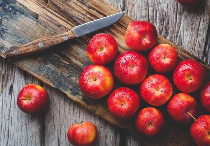 رژیم سیب یک برنامه پنج روزه است که بخش عمدهای از آن را سیب تشکیل می دهد.