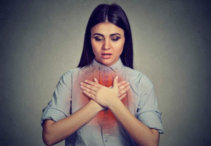 از علائم تنفسی بیماری سیستیک فیبروزیس می توان به خس خس سینه اشاره کرد.