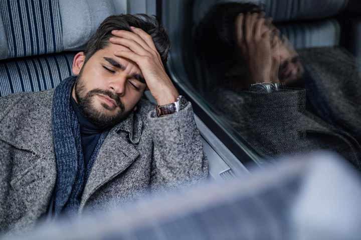 سردرد یکی از عوارض قرص دیازپام