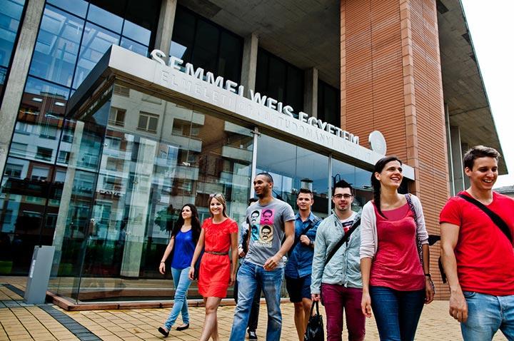 تحصیل پزشکی در مجارستان 2019 - دانشگاه سملوایز