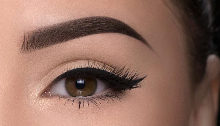 Pourquoi les extensions de sourcils sont-elles meilleures que le micro-saignement?