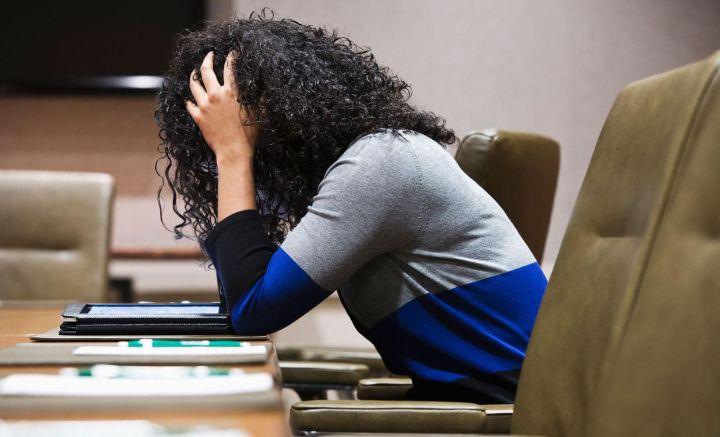 صرفا تمرکز کردن بر چیزهای منفی موجب بیزاری از شغل ما می شود - چرا از کار کردن متنفریم