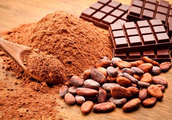 ۶ روش برای اضافه کردن ویتامین و آنتی اکسیدان به قهوه - افزودن پودر کاکائو به قهوه به پیشگیری از افسردگی کمک می کند.