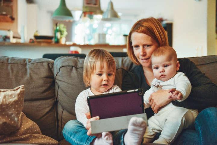 سومین اشتباه رایجی که والدین در ارتباط با فرزندان خود مرتکب میشوند