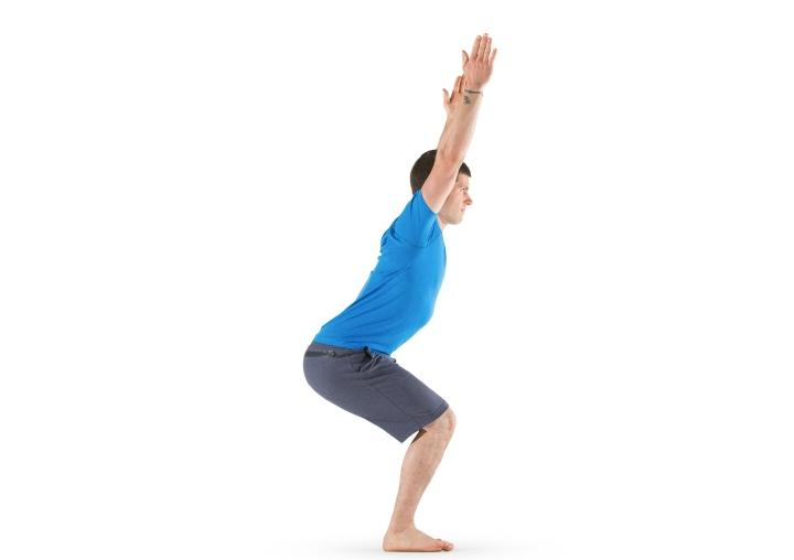 ۱۲ تمرین یوگا برای افراد مبتدی - وضعیت صندلی یا Chair Pose