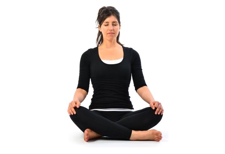 ۱۲ تمرین یوگا برای افراد مبتدی - تکنیک تنفسی Bellows Breath
