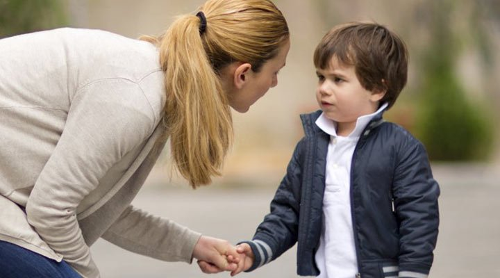 در تربیت فرزند خود مهربان ولی قاطع باشید