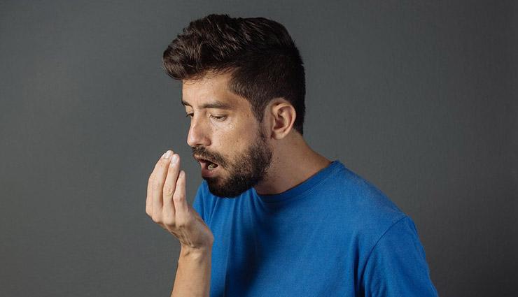 رفع بوی بد دهان با ۱۳ روش مؤثر خانگی
