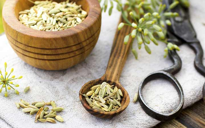 مصرف رازیانه برای کاهش بوی بد دهان  - رفع بوی بد دهان
