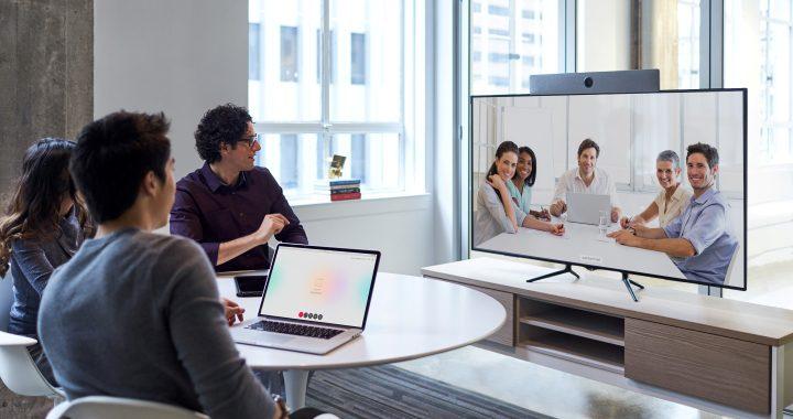 استفاده از تکنولوژی ویدئو کنفرانس برای برقراری ارتباط به صورت دیجیتالی