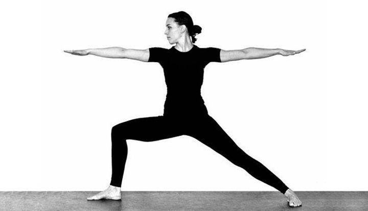 ۱۲ تمرین یوگا برای افراد مبتدی - حرکت جنگجو یا Warrior Pose ii
