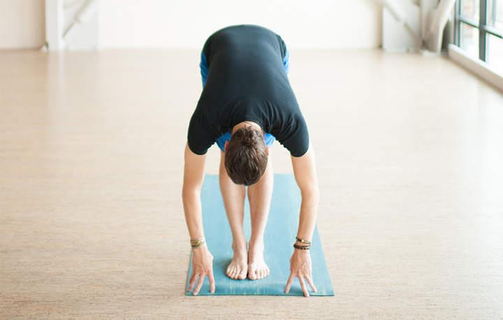 اوتانآسانا- حرکات یوگا برای کاهش استرس
