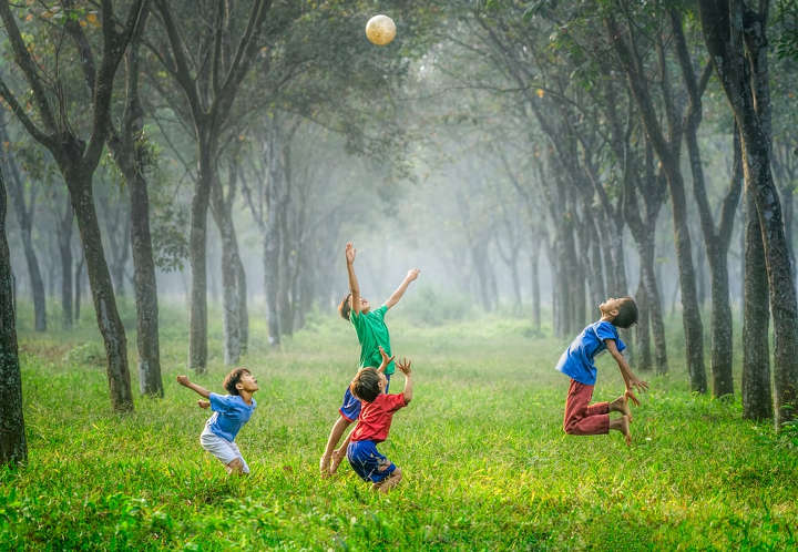 بازی در محیط سرباز-کودکان خجالتی