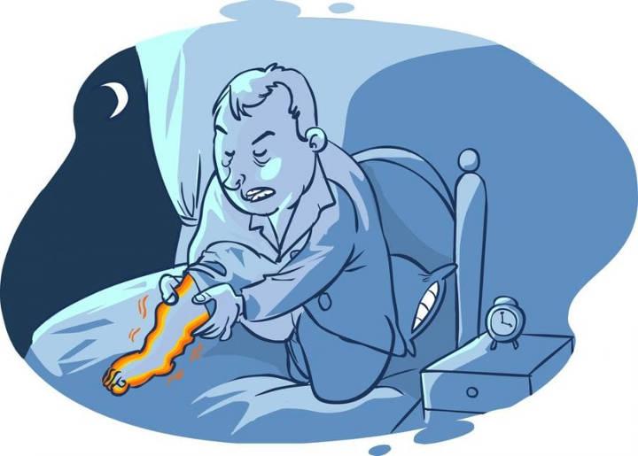 سندرم پای بی قرار یک علت بیدار شدن از خواب در شب