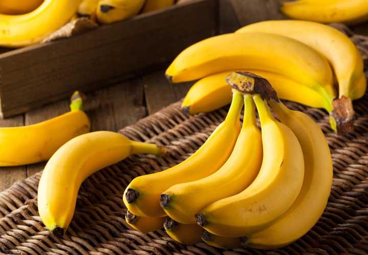 ۱۴ خوراکی سالم برای صبحانه که به کاهش وزن شما کمک میکنند - مصرف موز در وعده صبحانه می تواند به کاهش وزن کمک بکند.