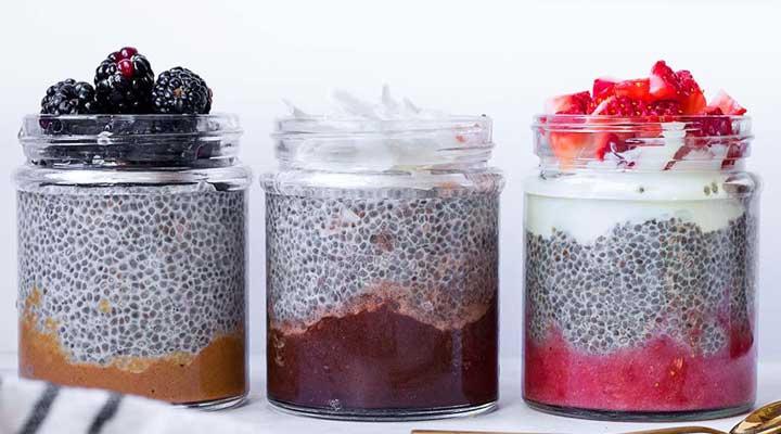 از جمله ۲۰ صبحانه رژیمی خوشمزه برای کاهش وزن می توان به پودینگ دانه چیا اشاره کرد.