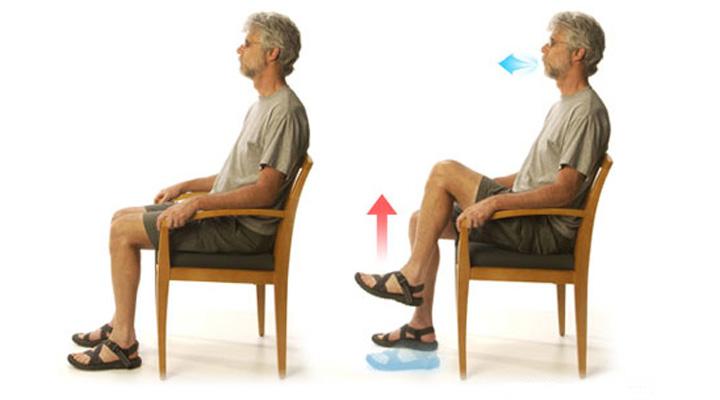 بلند کردن زانو - ورزش سالمندان