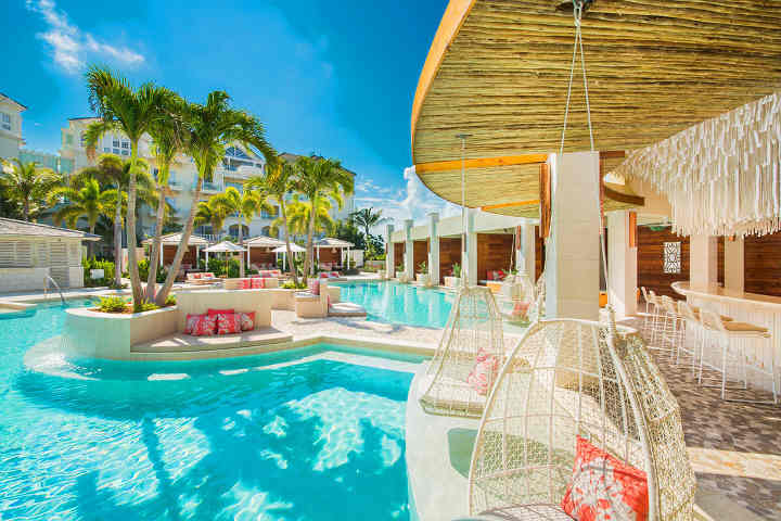 Shore Club (beach club) - one of the most beautiful pools in the world