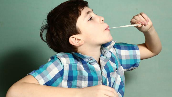 تأثیر قورت دادن آدامس بر سلامت کودکان