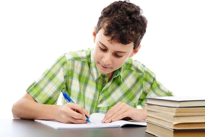 اهریمن سرعت-تشویق کودکان به انجام تکالیف مدرسه