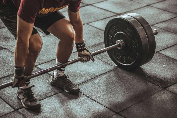 تعهد-انگیزه ورزش برای ادامه برنامه ورزشی