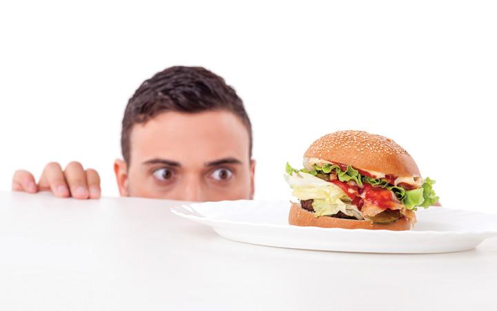 خوردن غذا: وقتی شکم جای افکار مزاحم را میگیرد