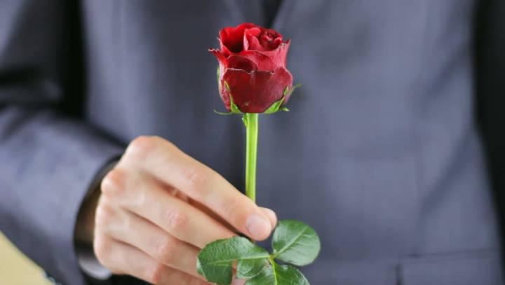 گل دادن-تعارفاتی که مردها از شنیدن آنها بیزارند