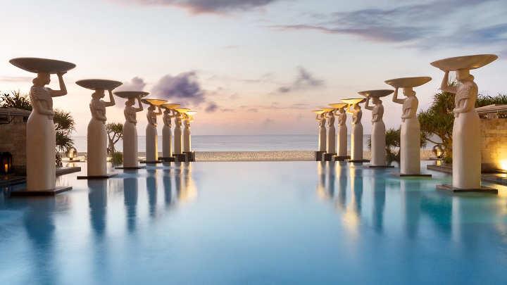 دِ مولیا-نوسا دوآ-زیباترین استخرهای هتل ها در دنیا