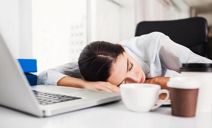 چرت زدن به کاهش خستگی تصمیم گیری کمک می کند.