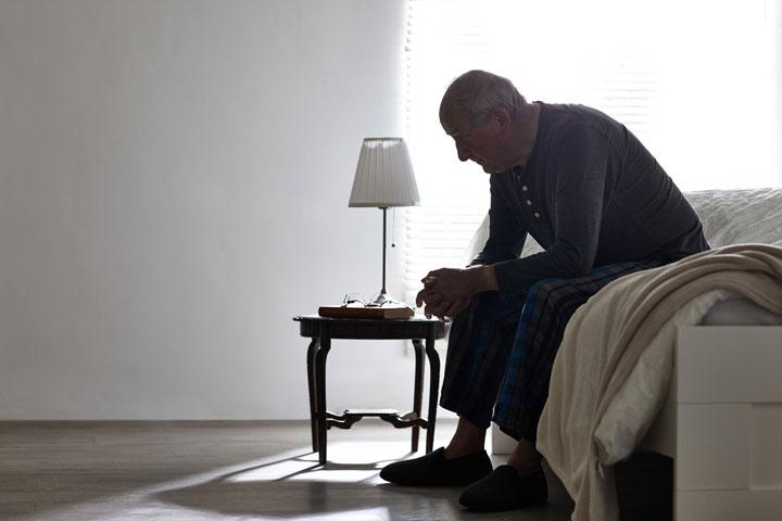افسردگی در سالمندان؛ علائم، نشانهها و راههای درمان آن