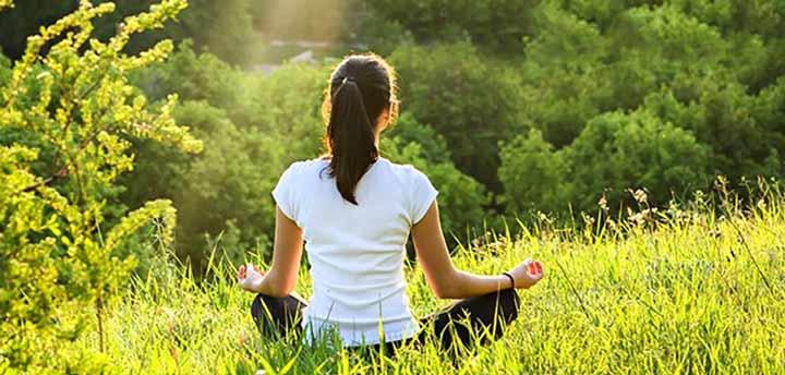 مدیتیشن یکی از کارهایی که باید تنهایی انجام داد
