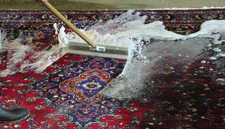 شستن فرش دستباف در خانه و قالیشویی؛ چیزهایی که باید بدانید