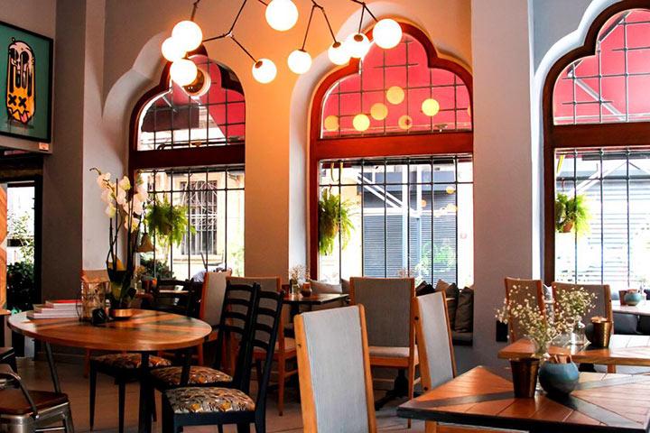 هان کاراکوی از بهترین کافه های استانبول