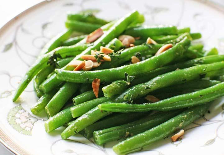 خواص لوبیا سبز - لوبیا سبز را می توان به صورت آب پز یا سرخ کرده مصرف کرد.