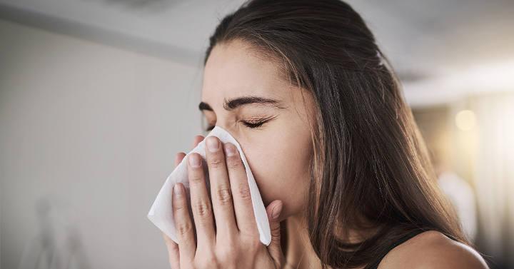 پوشاندن دهان و بینی بههنگام عطسه یا سرفه کردن - اگر کرونا گرفتیم چه کنیم؟